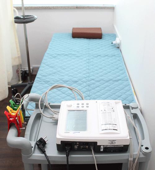 안창욱외과 심전도검사실